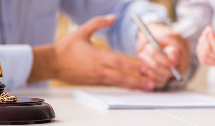 How Can A Family Lawyer Help You
